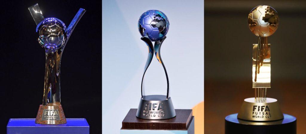 La Copa Mundial Femenina Sub-17 de la FIFA, la Copa Mundial Femenina Sub-20 de la FIFA y los trofeos de la Copa Mundial de Fútbol Sala de la FIFA.