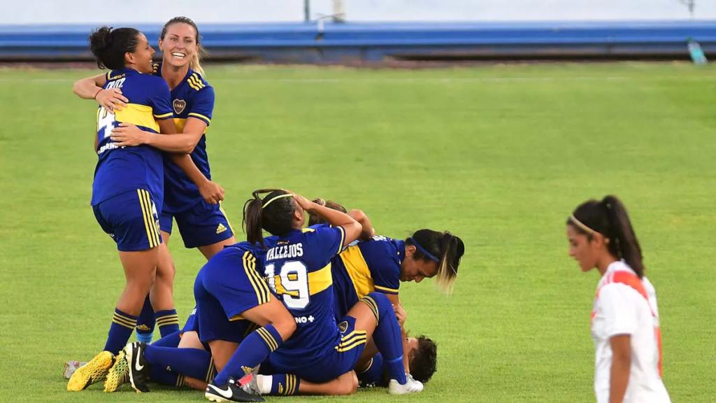 """La Primera """"A"""" del fútbol femenino volverá a la acción el próximo 27 de marzo."""