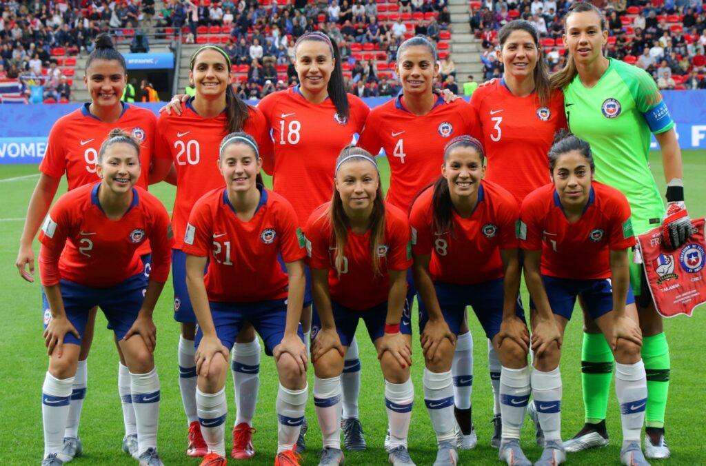 La Selección de Chile jugará el repechaje contra Camerún el 10 y 13 de abril.