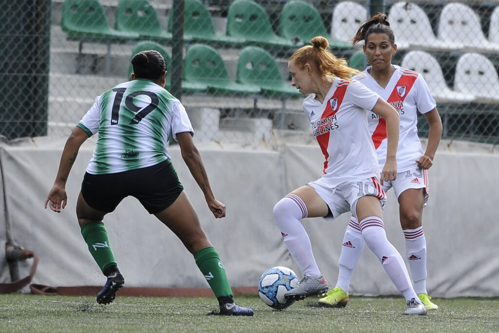 Torneo Apertura 2021: River goleó en la inauguración competitiva