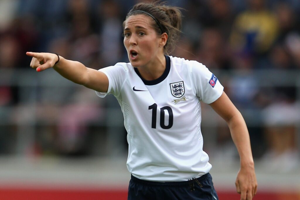 Fara Williams, la jugadora con más partidos disputados con la selección inglesa, anunció que se retirará al final de la temporada.