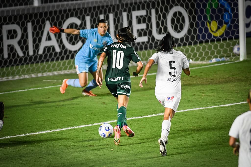 El Palmeiras de Agustina Barroso igualó sin goles contra el Santos.