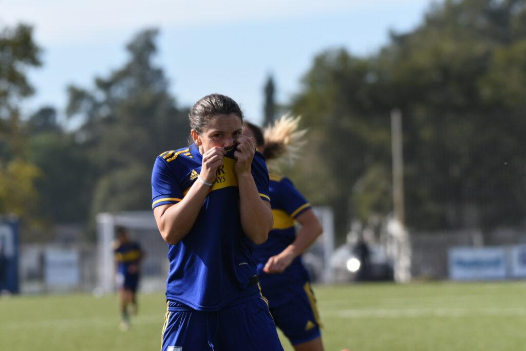 Con goles de Carolina Troncoso y Andrea Ojeda, Boca Juniors selló su pasaje a cuartos con un triunfo sobre Gimnasia por 2-1