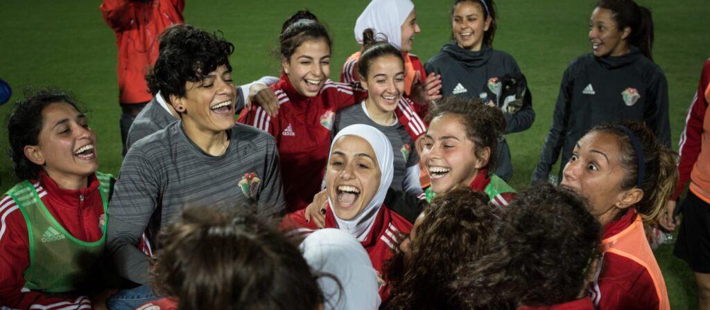 La FIFA anunció su plan de becas para la formación de entrenadoras