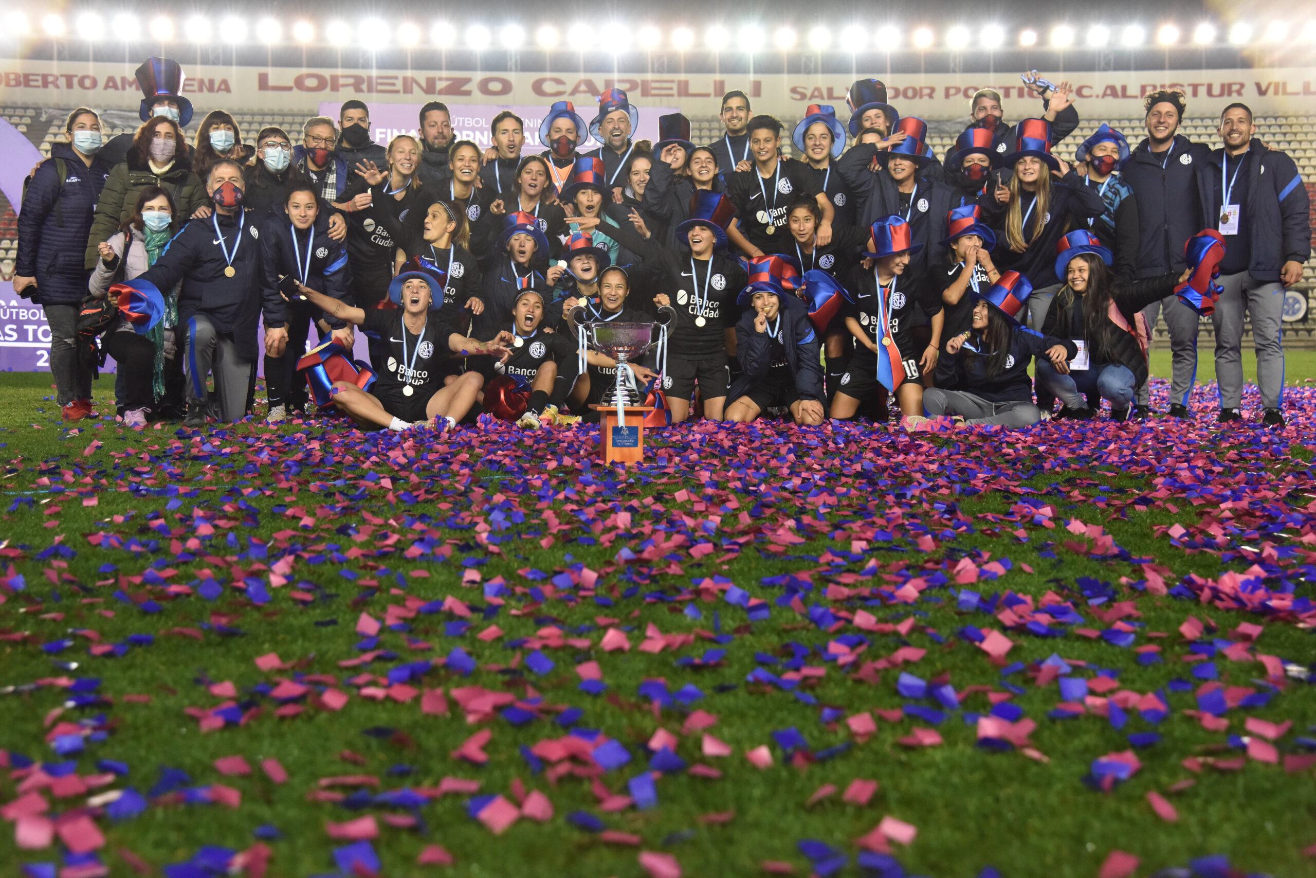 Tras lograr un agónico empate 1 a 1 sobre el cierre de los 90, las Santitas superaron a Boca Juniors en los penales y se quedaron con la copa.