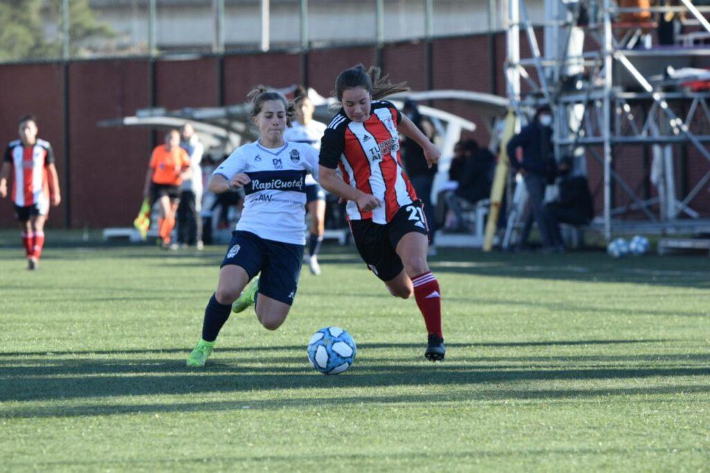 River goleó 5-1 a Gimnasia y está en las semifinales femeninas