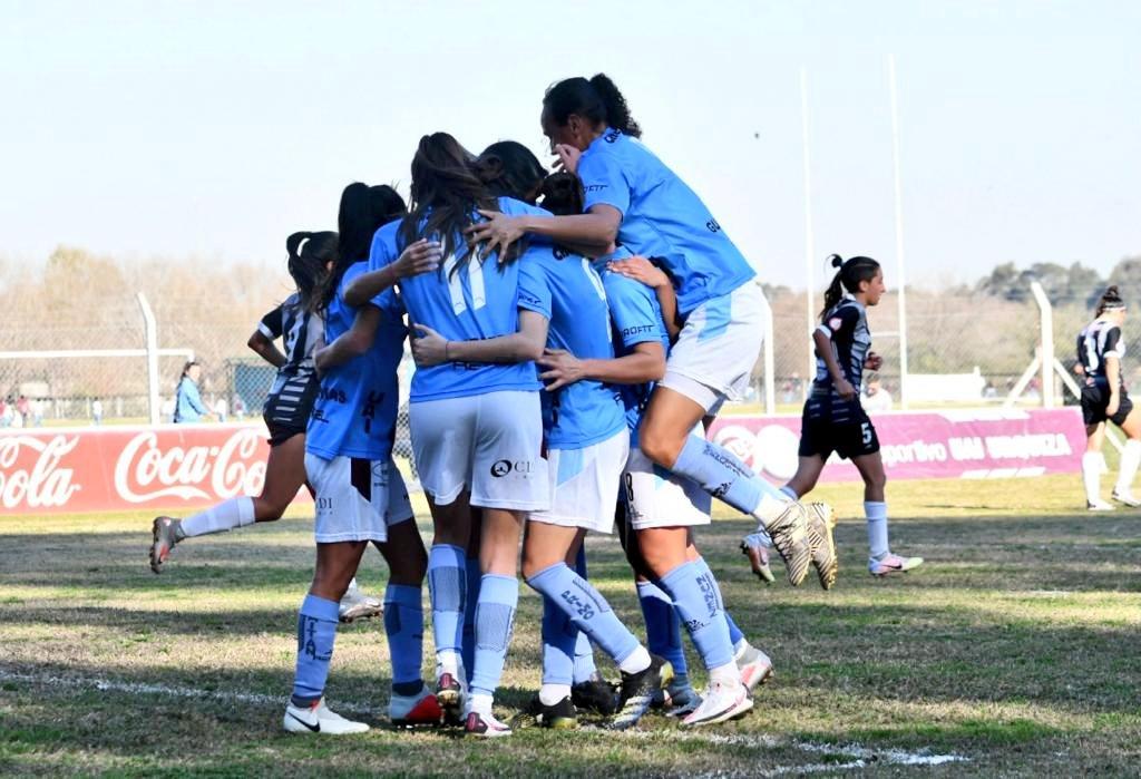 UAI Urquiza goleó 7-1 a El Porvenir y accedió a semifinales